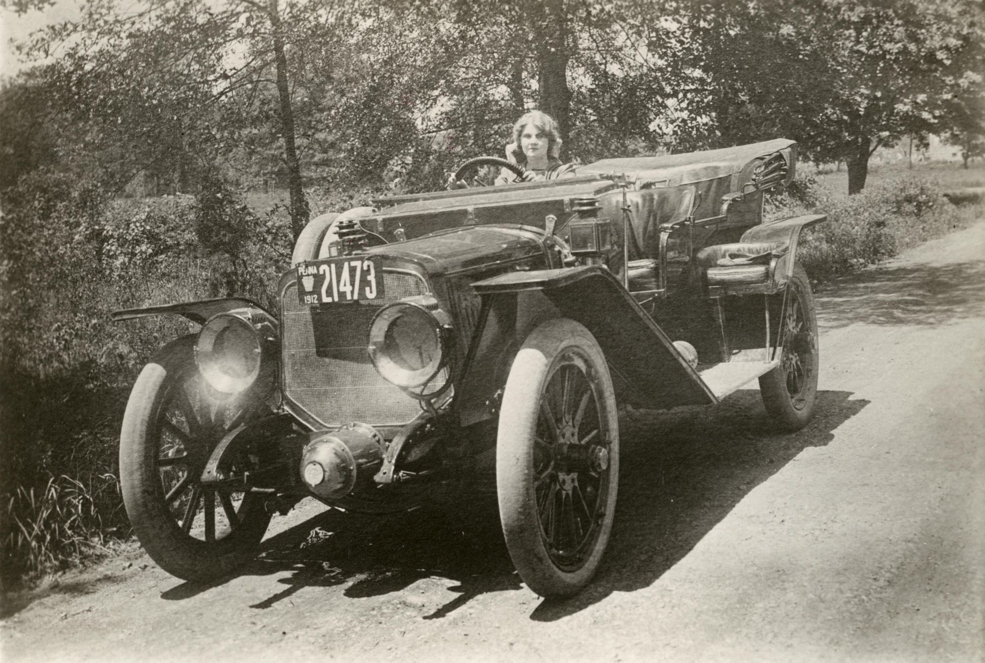 Inventions---clignotant--1----Florence-Lawrence-dans-sa-voiture
